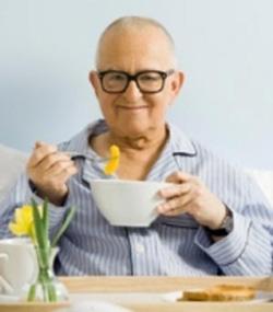 ۸ رژیم غذایی براي بيماران و سالمندان
