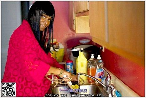 زنی سیاه پوست با ناخن های 36 سانتی!+عکس