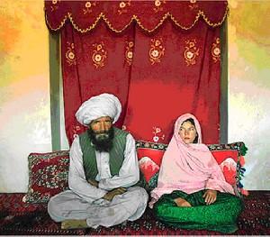 ازدواج دختر مظلوم با 62 سال تفاوت سنی