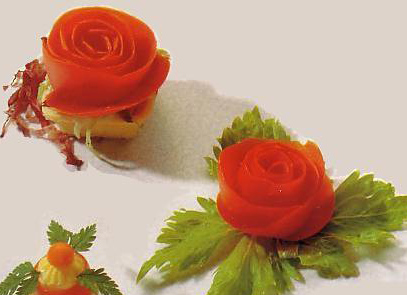 آموزش تزیین گوجه فرنگی به شکل گل رز + تصاویر