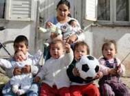 دختر 17 ساله ای که 7 فرزند دارد (+عکس)