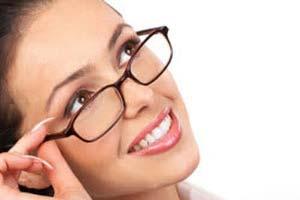 افراد عینکی چگونه آرایش کنند