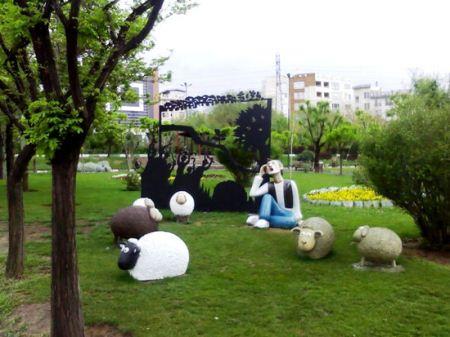نصب مجسمه چوپان دروغگو در تهران (عکس)