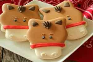 آموزش تصویری تزئین شیرینی به شکل اسب