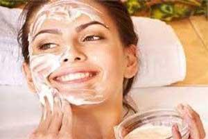 روش تهیه ماسک تخم مرغ روان کننده طبیعی برای پوست