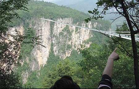 بزرگترین پل شیشه ای دنیا درچین (عکس)
