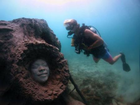 عکس های جالب از مجسمه های دیدنی زیر دریا