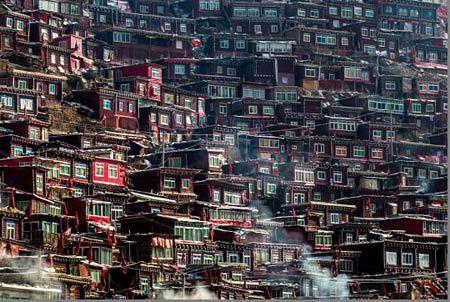 تصاویر جالب بزرگترین مدرسه بودایی جهان Sêrtar در چین