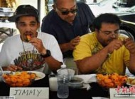 مسابقه جالب و باحال خوردن فلفل در لس آنجلس! عکس