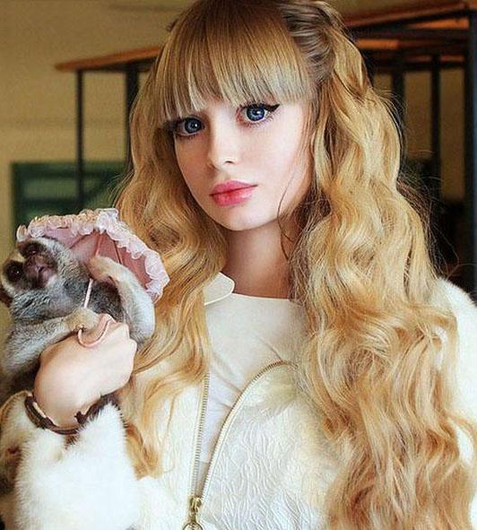 عکس دختر باربی جذاب و بسیار خوشگل