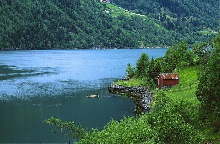 عکس های دیدنی از مناظر زیباترین آبدره جهان در نروژ