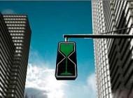 ایده جالب ساعت شنی به جای چراغ راهنمایی + عکس