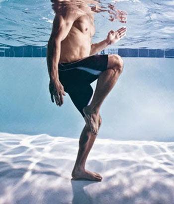 معرفی 8 تمرین ورزشی مفید در آب و استخر
