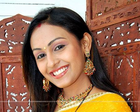 عکس های زیبای نیکات بازیگر سریال هندی قبول می کنم