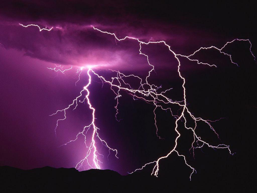 عکسهای دیدنی رعد و برق و صاعقه های زیبا در آسمان