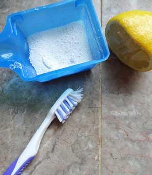 درز بین کاشی ها و لکه های دوغاب را چگونه تمیز کنیم؟