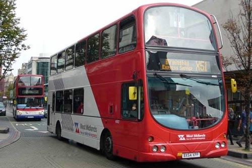 وسوسه شدن راننده اتوبوس از آرایش غلیظ دختر 15 ساله (عکس)