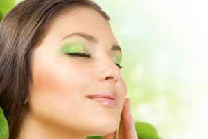خواص بی شمار چای سبز و سیاه برای زیبایی پوست