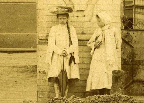 عکس های شبحی مرموز در بیشتر عکسهای قدیمی