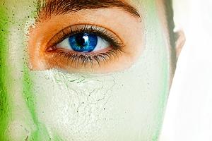 چند ماسک طبیعی درمان کننده جوش و پاک کننده صورت