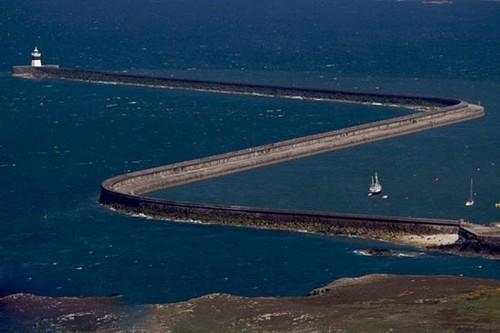عکس های دیدنی فانوس دریایی در آب های بی کران اقیانوس