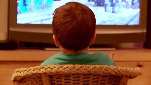 تلویزیون و اثرات تخریبی آن بر روی کودکان