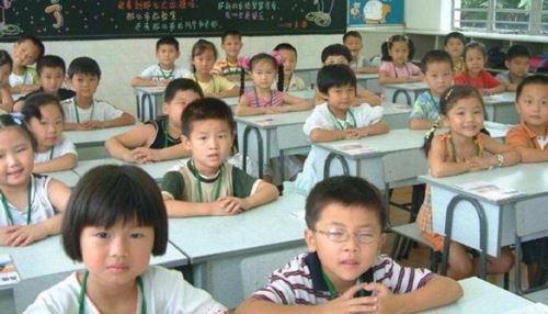 تکلیف عجیب و غریب دانش آموز چینی