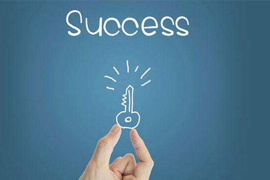 عادت افراد موفق را یاد بگیرید