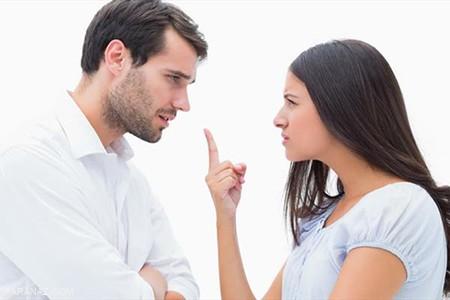 همسرم دهن لق است با او چه کنم؟