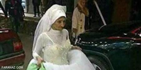 پیرزن 100 ساله در خیابان که خودش را عروس کرده (+عکس)