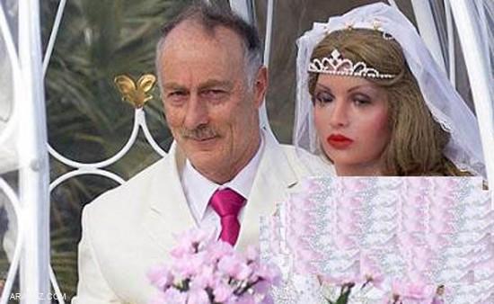 ماجرای ازدواج این مرد با زنان مصنوعی + عکس
