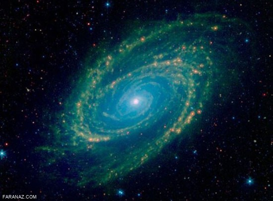 درباره ی کهکشانی که غرق در نور ماوراءبنفش است