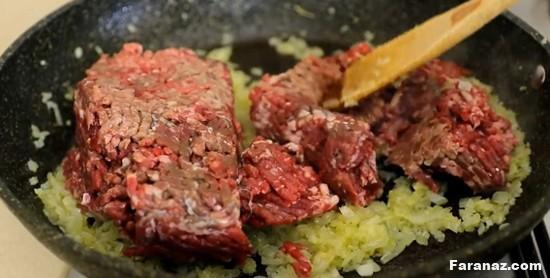 آموزش و نحوه پخت غذای بین المللی موساکا یونانی با سس بشامل